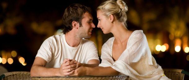 Zašto muškarci mijenjaju boju glasa kad se udvaraju?