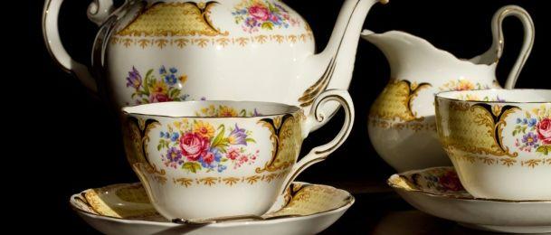 Gatanje iz listića čaja