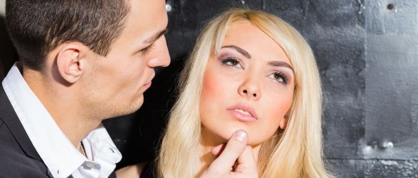 Što je to flert i kako ga razlikovati od zavođenja?